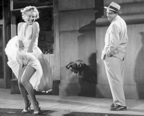"1955 FILM : ""SEVEN YEAR ITCH"" MARILYN MONROE AND TOM EWELL"